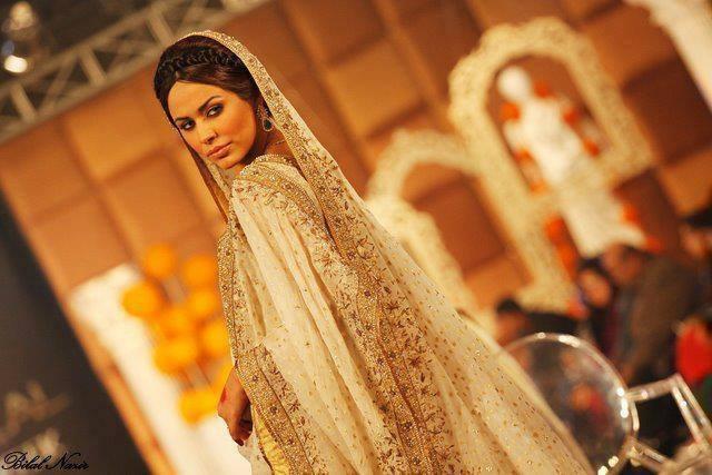 Ayyan - top model of Pakistan - Page 2 Ado6kEuH