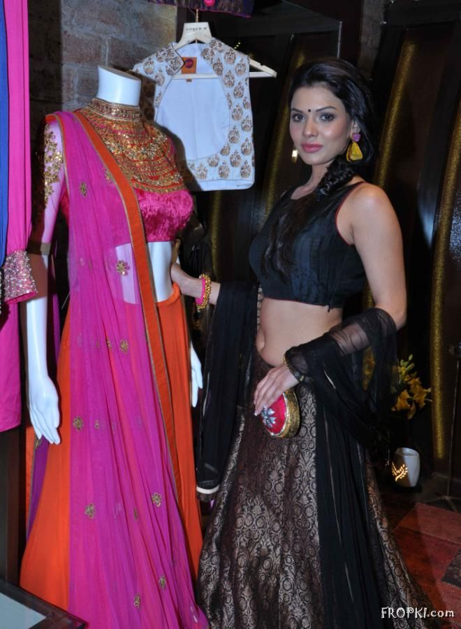 Soonam Modi Launch New Spring Summer Collection (40 Actresses Images) AdqFUnvI