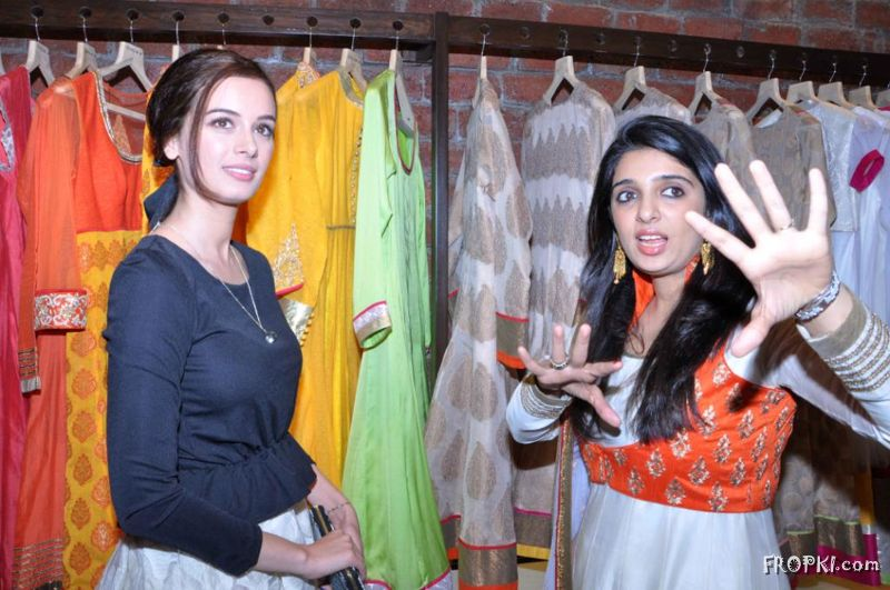 Soonam Modi Launch New Spring Summer Collection (40 Actresses Images) AdrX5YuD