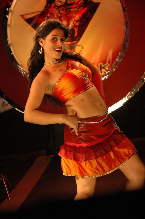 Ajju for Item Song Photo Gallery - Page 2 AdrjigyA