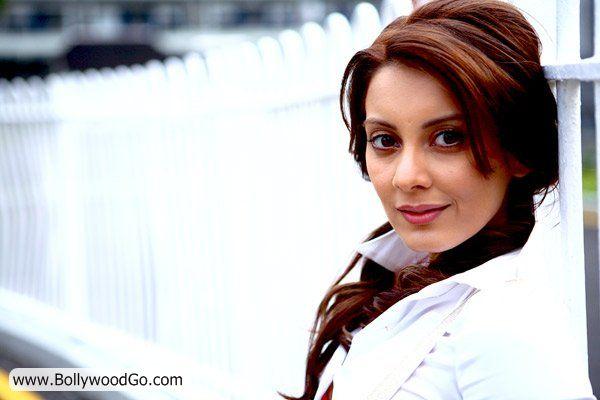Minissha Lamba's 31 Most Sexy Pictures - HOT Actress AdsqCoFo