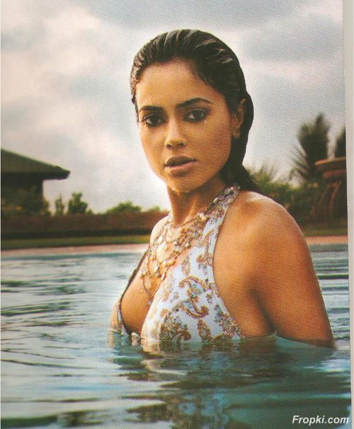Sameera Reddy latest Cosmopolitan Superhot scans AdufXI7d