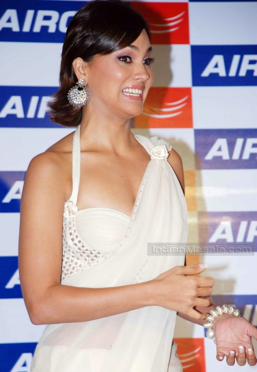 Lara Dutta in transparent saree at Aircel mobile launch Adv6D775