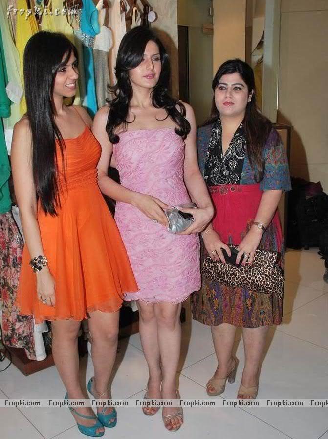 Zarine Khan - Hot Angel in pink AdvLH4mY