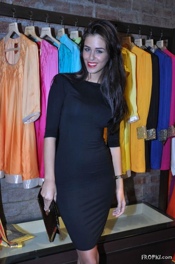 Soonam Modi Launch New Spring Summer Collection (40 Actresses Images) AdyOKMOB