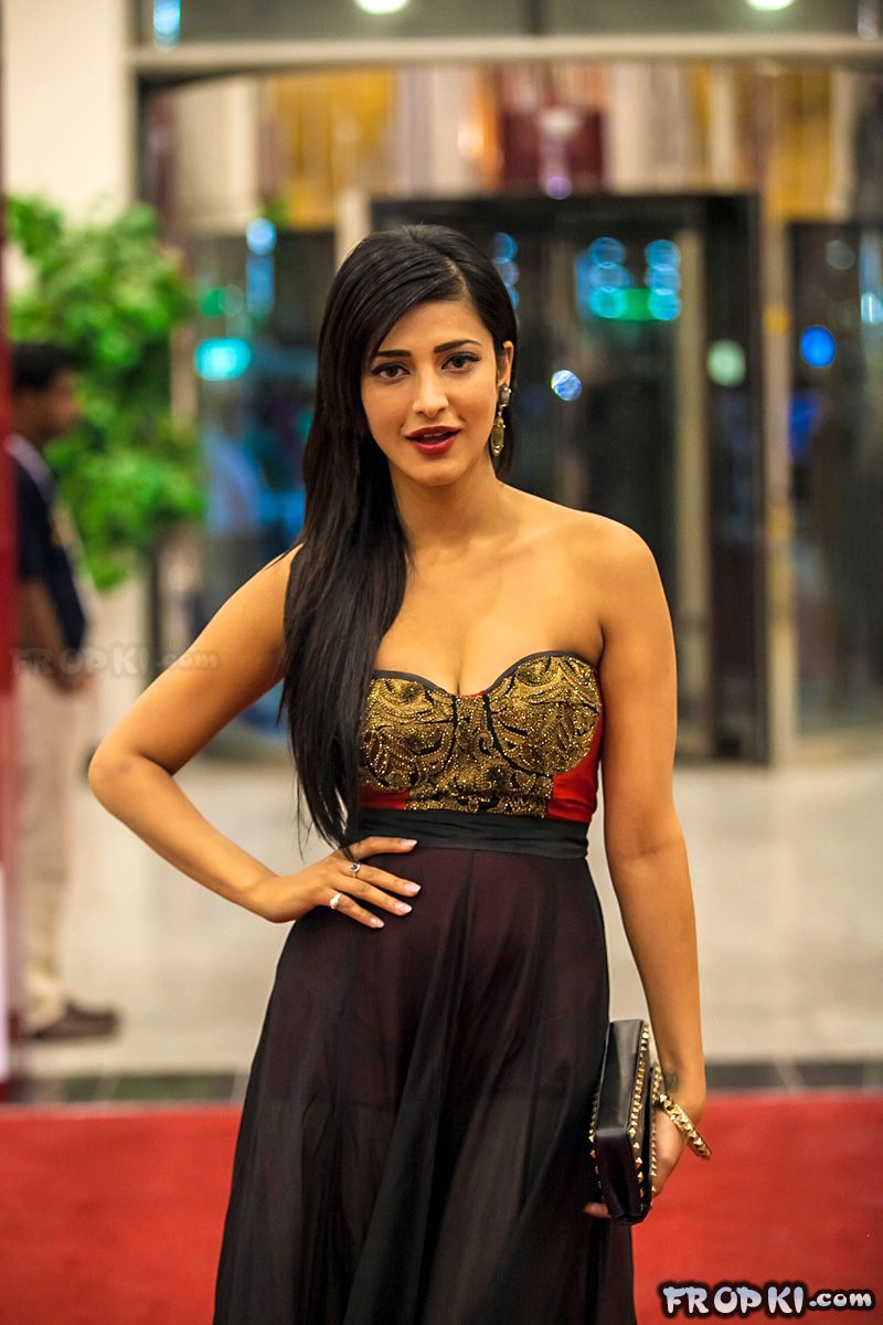 Shruti Haasan win top laurels at SIIMA awards AdyOzMvE
