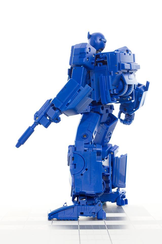 [Voodoo Robots] Produit Tiers - Salus (aka Ratchet/Mécano) & Animus (aka Ironhide/Rhino) Aj18x3Iv