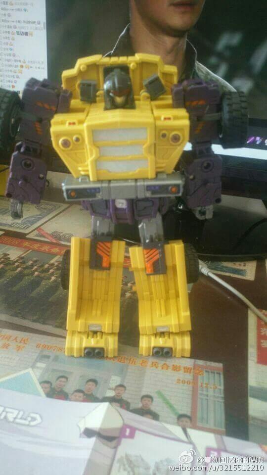 [Toyworld] Produit Tiers - Jouet TW-C Constructor aka Devastator/Dévastateur (Version vert G1 et jaune G2) - Page 8 COUGStcP
