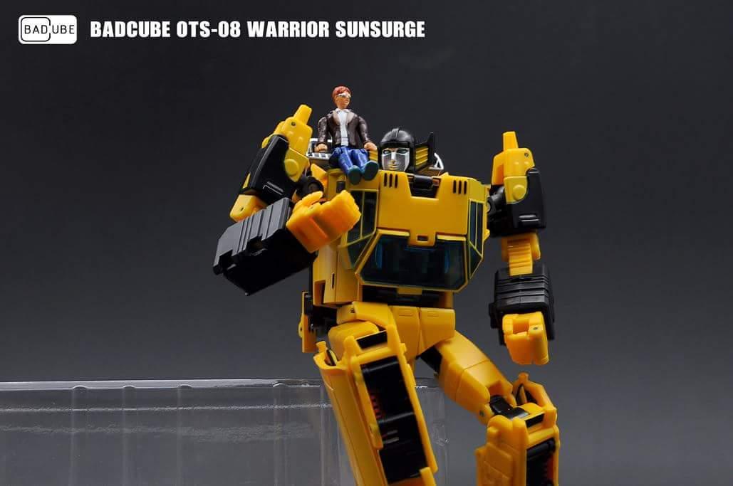 [BadCube] Produit Tiers - OTS-08 Sunsurge (aka Sunstreaker/Solo G1) + OTS-Special 01 Blaze (aka Sunstreaker/Solo Diaclone) - Page 2 CXNEfvHi