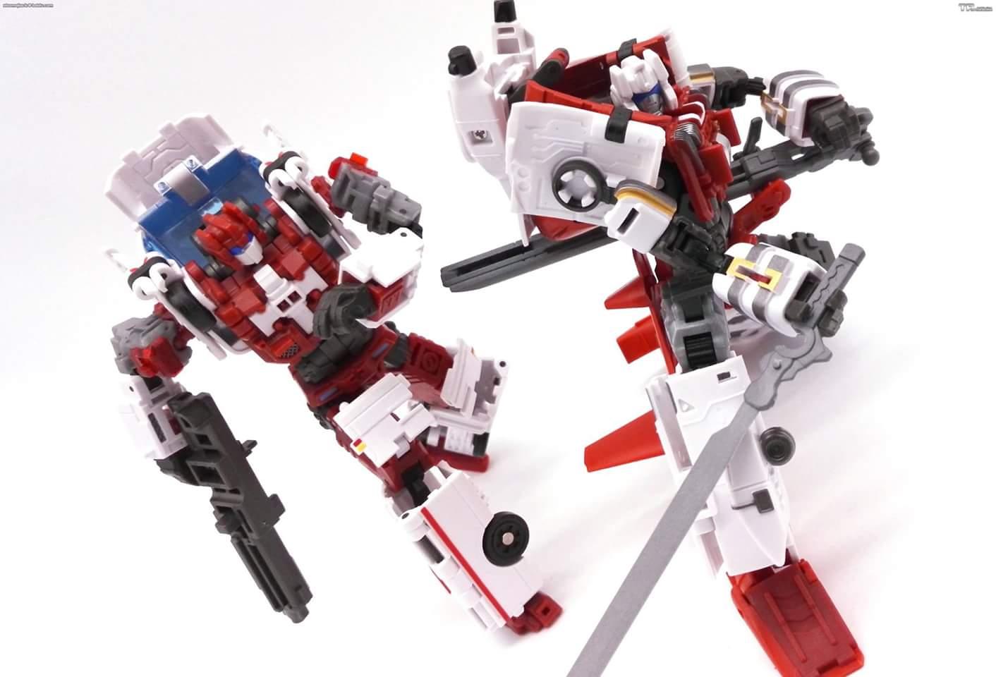 [MakeToys] Produit Tiers - Jouet MTCM-04 Guardia (aka Protectobots - Defensor/Defenso) - Page 3 Cthid85r