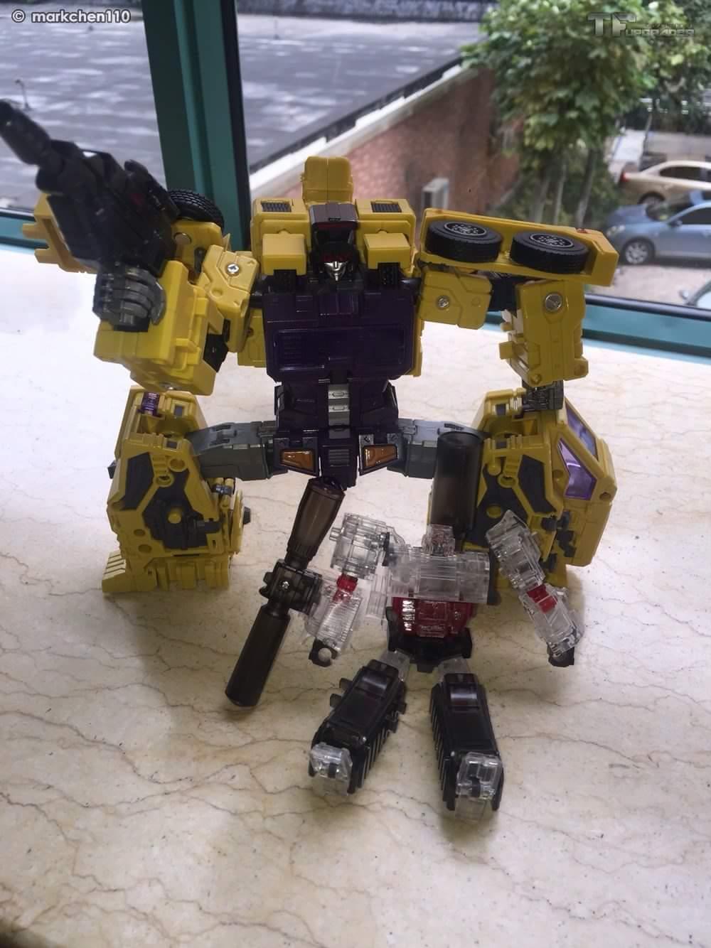 [Toyworld] Produit Tiers - Jouet TW-C Constructor aka Devastator/Dévastateur (Version vert G1 et jaune G2) - Page 8 Dbb7FWZJ