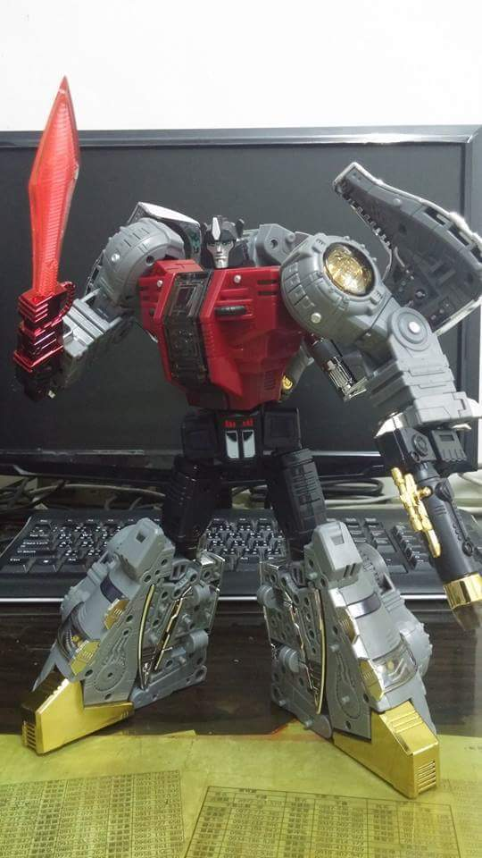 [Fanstoys] Produit Tiers - Dinobots - FT-04 Scoria, FT-05 Soar, FT-06 Sever, FT-07 Stomp, FT-08 Grinder - Page 9 DgiBXgZ4