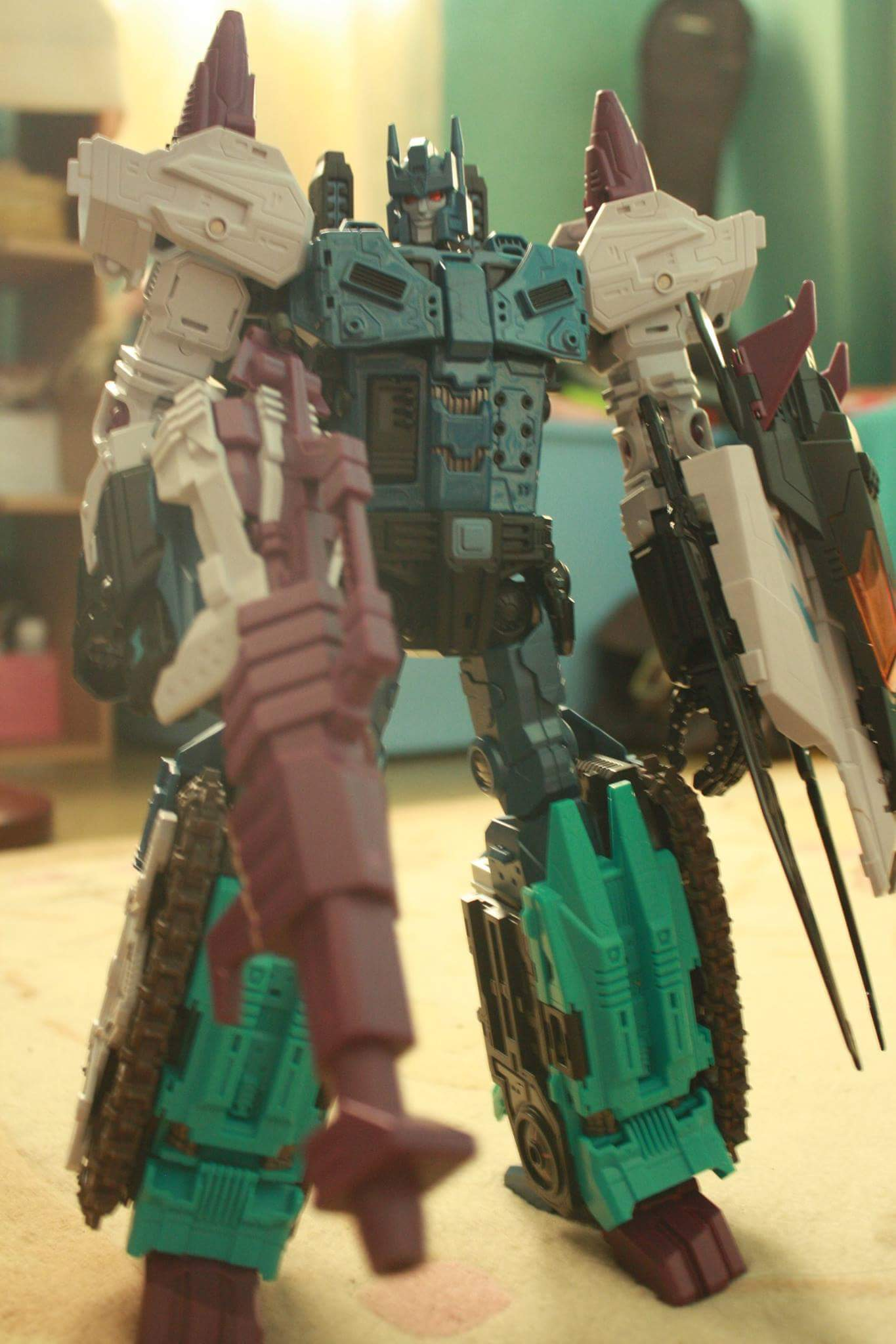 [Mastermind Creations] Produit Tiers - R-17 Carnifex - aka Overlord (TF Masterforce) - Page 3 E1RbADOg