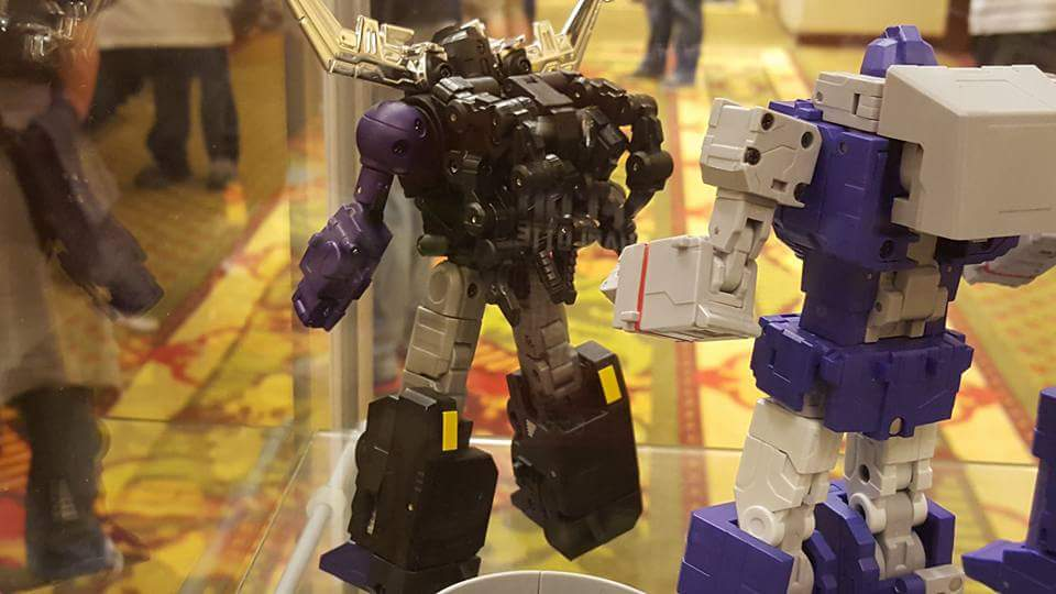 [Fanstoys] Produit Tiers - Jouet FT-12 Grenadier / FT-13 Mercenary / FT-14 Forager - aka Insecticons - Page 2 HRmstORs