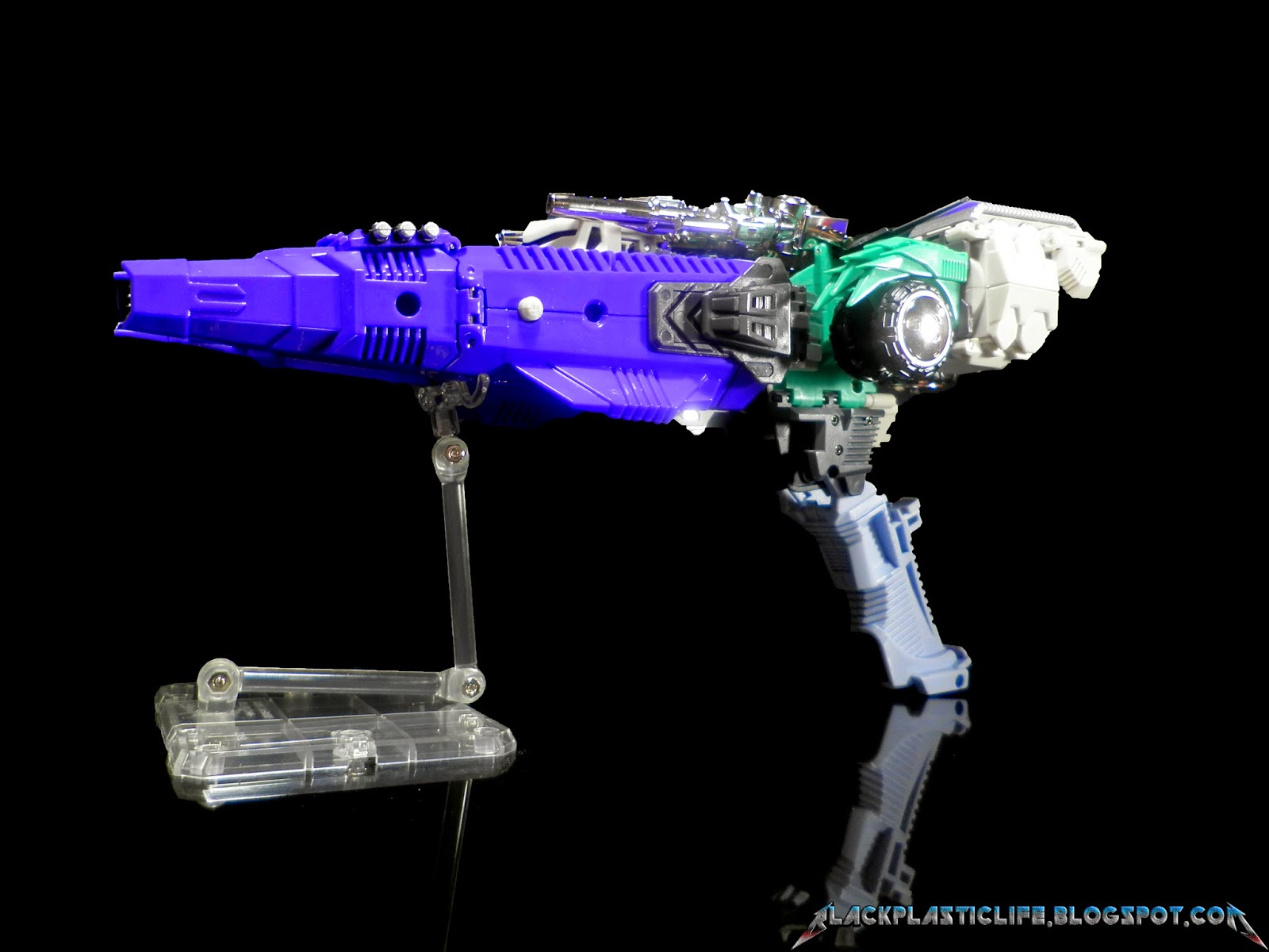 [Masterpiece Tiers] MMC R-01C CONTINUUM HEXATRON aka SIXSHOT - Sortie Nov. 2014 Hf6EwYCM