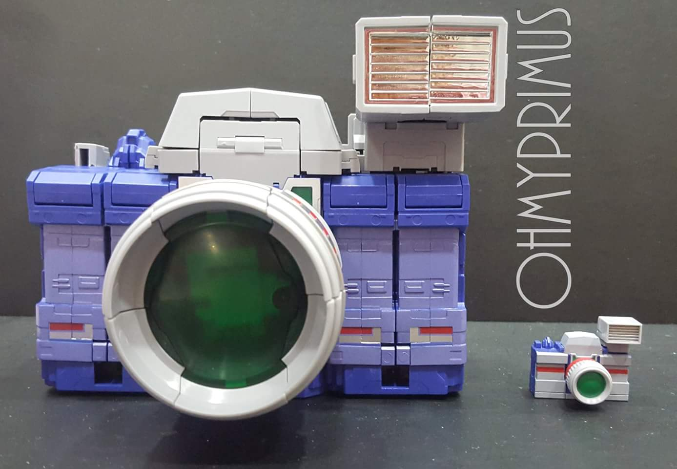 [Fanstoys] Produit Tiers - Jouet FT-11 Spotter - aka Reflector/Réflecteur - Page 2 IuxDNwK3