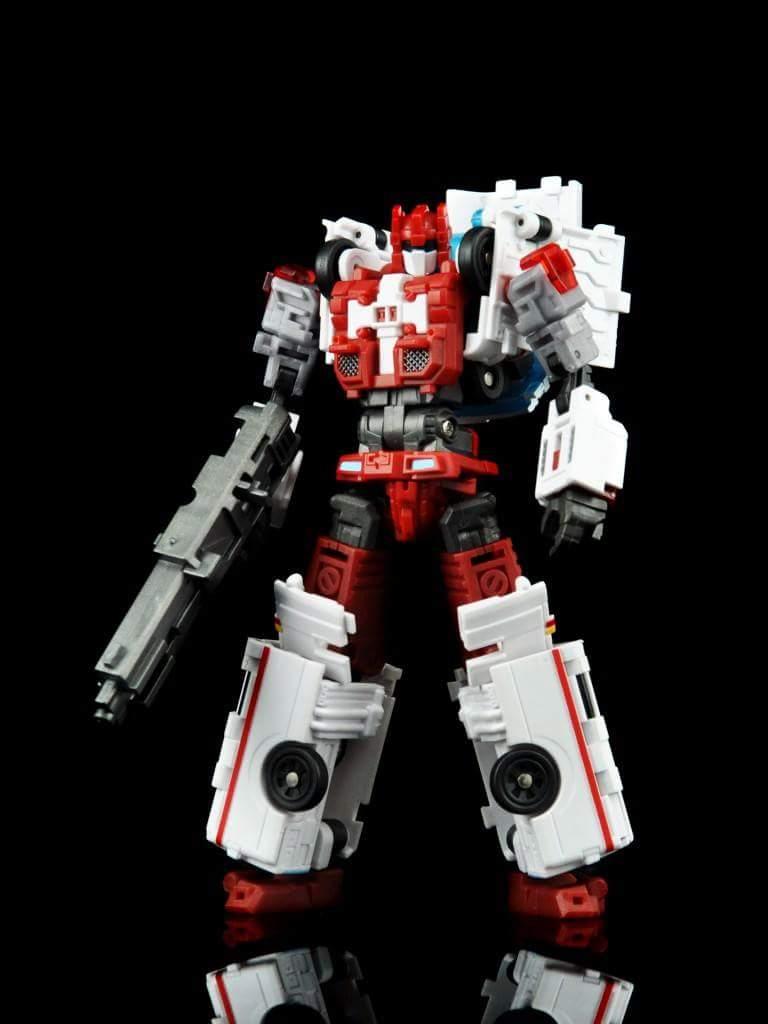 [MakeToys] Produit Tiers - Jouet MTCM-04 Guardia (aka Protectobots - Defensor/Defenso) - Page 2 J8wimR4K