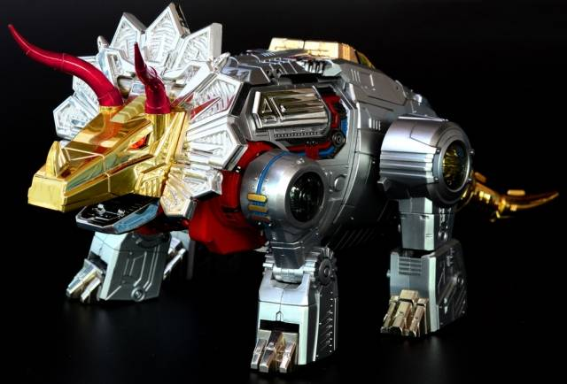 [Fanstoys] Produit Tiers - Dinobots - FT-04 Scoria, FT-05 Soar, FT-06 Sever, FT-07 Stomp, FT-08 Grinder - Page 4 KU2JH5Mi