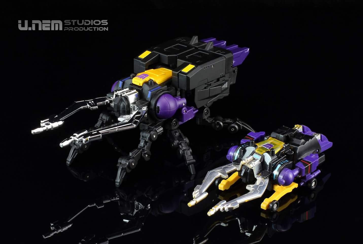 [Fanstoys] Produit Tiers - Jouet FT-12 Grenadier / FT-13 Mercenary / FT-14 Forager - aka Insecticons - Page 3 Kb7JK4T2