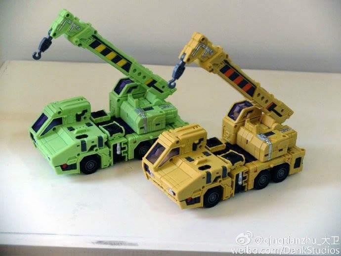 [Toyworld] Produit Tiers - Jouet TW-C Constructor aka Devastator/Dévastateur (Version vert G1 et jaune G2) - Page 8 LMsjwsVX