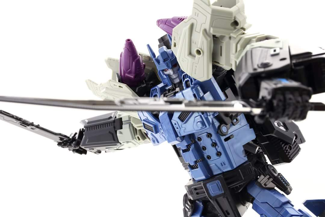 [Mastermind Creations] Produit Tiers - R-17 Carnifex - aka Overlord (TF Masterforce) - Page 3 LWrJKpPB