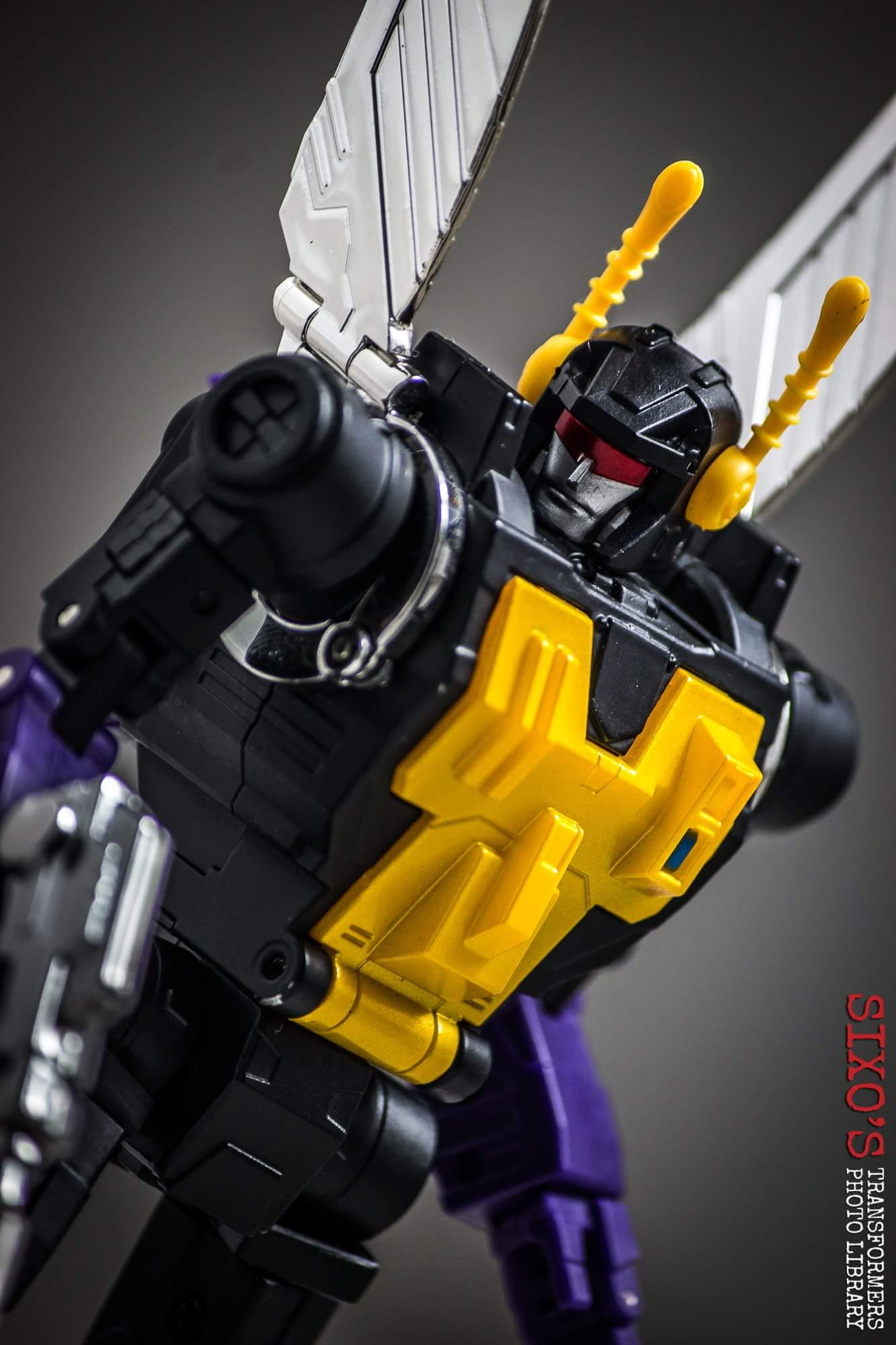 [Fanstoys] Produit Tiers - Jouet FT-12 Grenadier / FT-13 Mercenary / FT-14 Forager - aka Insecticons - Page 4 LrGNoa2q