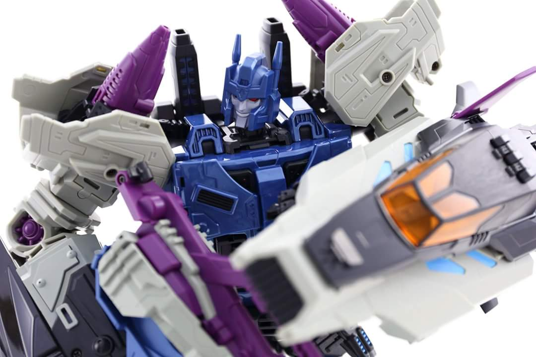 [Mastermind Creations] Produit Tiers - R-17 Carnifex - aka Overlord (TF Masterforce) - Page 3 M9kyRCGA