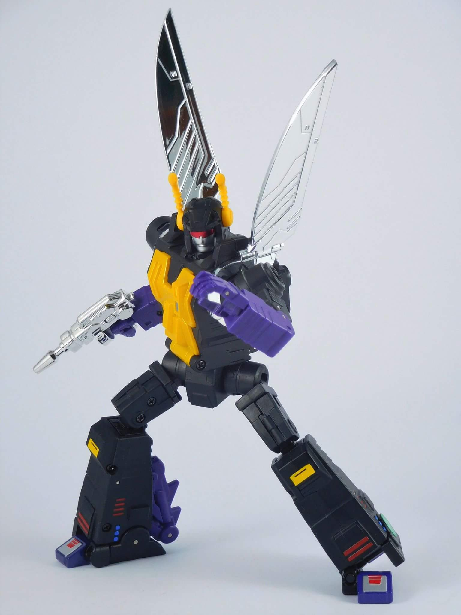 [Fanstoys] Produit Tiers - Jouet FT-12 Grenadier / FT-13 Mercenary / FT-14 Forager - aka Insecticons - Page 4 MHpOd2rO