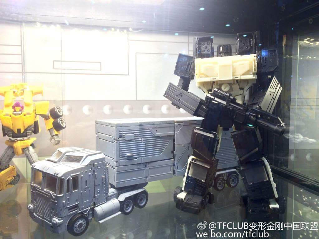 [Transform Mission] Produit Tiers - Jouet M-01 AutoSamurai - aka Menasor/Menaseur des BD IDW - Page 3 MNpUPulq