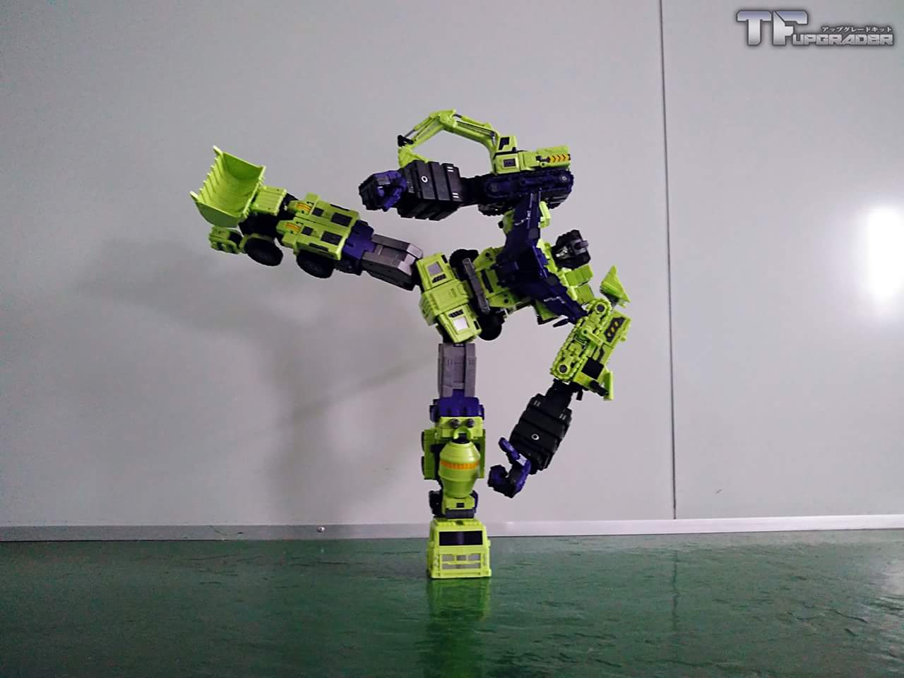 [Toyworld] Produit Tiers - Jouet TW-C Constructor aka Devastator/Dévastateur (Version vert G1 et jaune G2) - Page 4 NRnmINmE