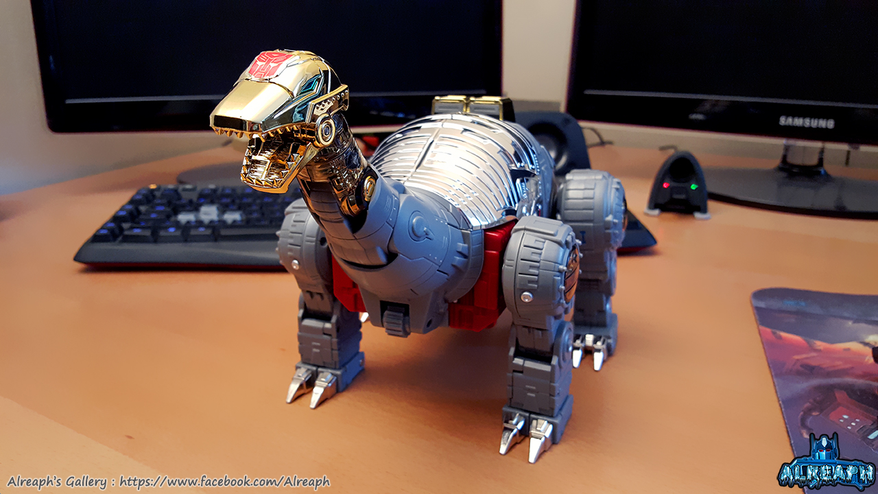 [Fanstoys] Produit Tiers - Dinobots - FT-04 Scoria, FT-05 Soar, FT-06 Sever, FT-07 Stomp, FT-08 Grinder - Page 9 NgGt7E2B