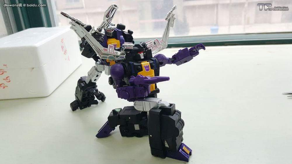 [Fanstoys] Produit Tiers - Jouet FT-12 Grenadier / FT-13 Mercenary / FT-14 Forager - aka Insecticons - Page 3 OGo89jzi