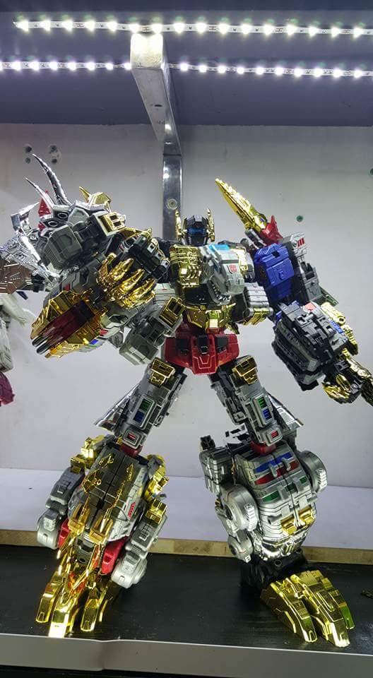 [Toyworld][Zeta Toys] Produit Tiers - Jouet TW-D aka Combiner Dinobots - Page 2 OO5fo87o