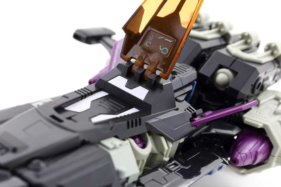 [Mastermind Creations] Produit Tiers - R-17 Carnifex - aka Overlord (TF Masterforce) - Page 3 QBzzZhIf