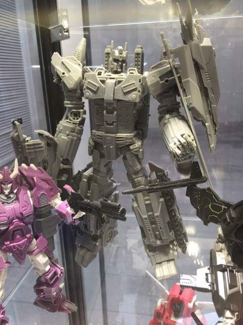 [Mastermind Creations] Produit Tiers - R-17 Carnifex - aka Overlord (TF Masterforce) QWMtkDtx