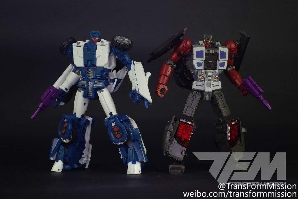 [Transform Mission] Produit Tiers - Jouet M-01 AutoSamurai - aka Menasor/Menaseur des BD IDW - Page 2 QqvbWLiD