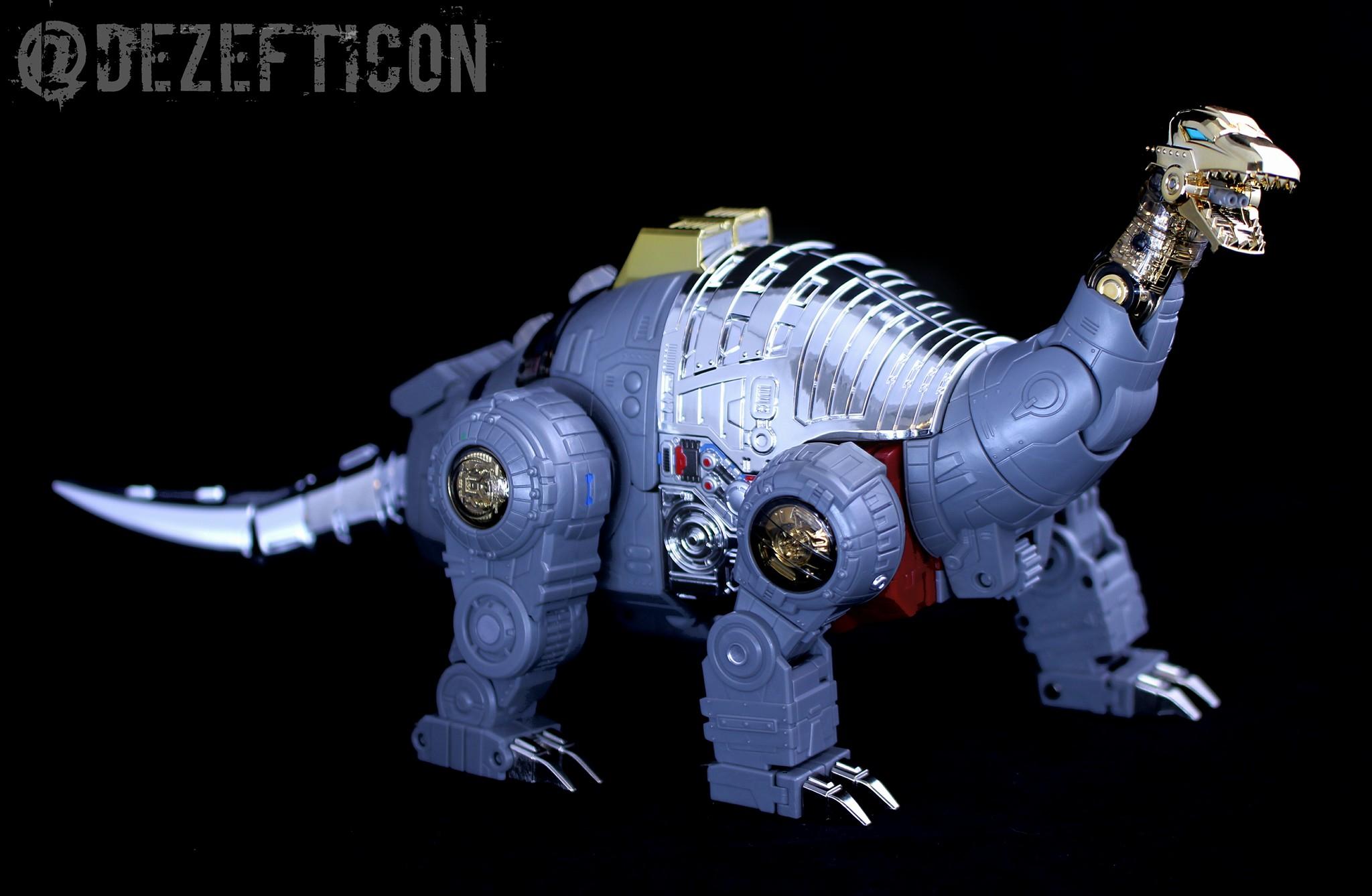 [Fanstoys] Produit Tiers - Dinobots - FT-04 Scoria, FT-05 Soar, FT-06 Sever, FT-07 Stomp, FT-08 Grinder - Page 9 RFwDZTRl