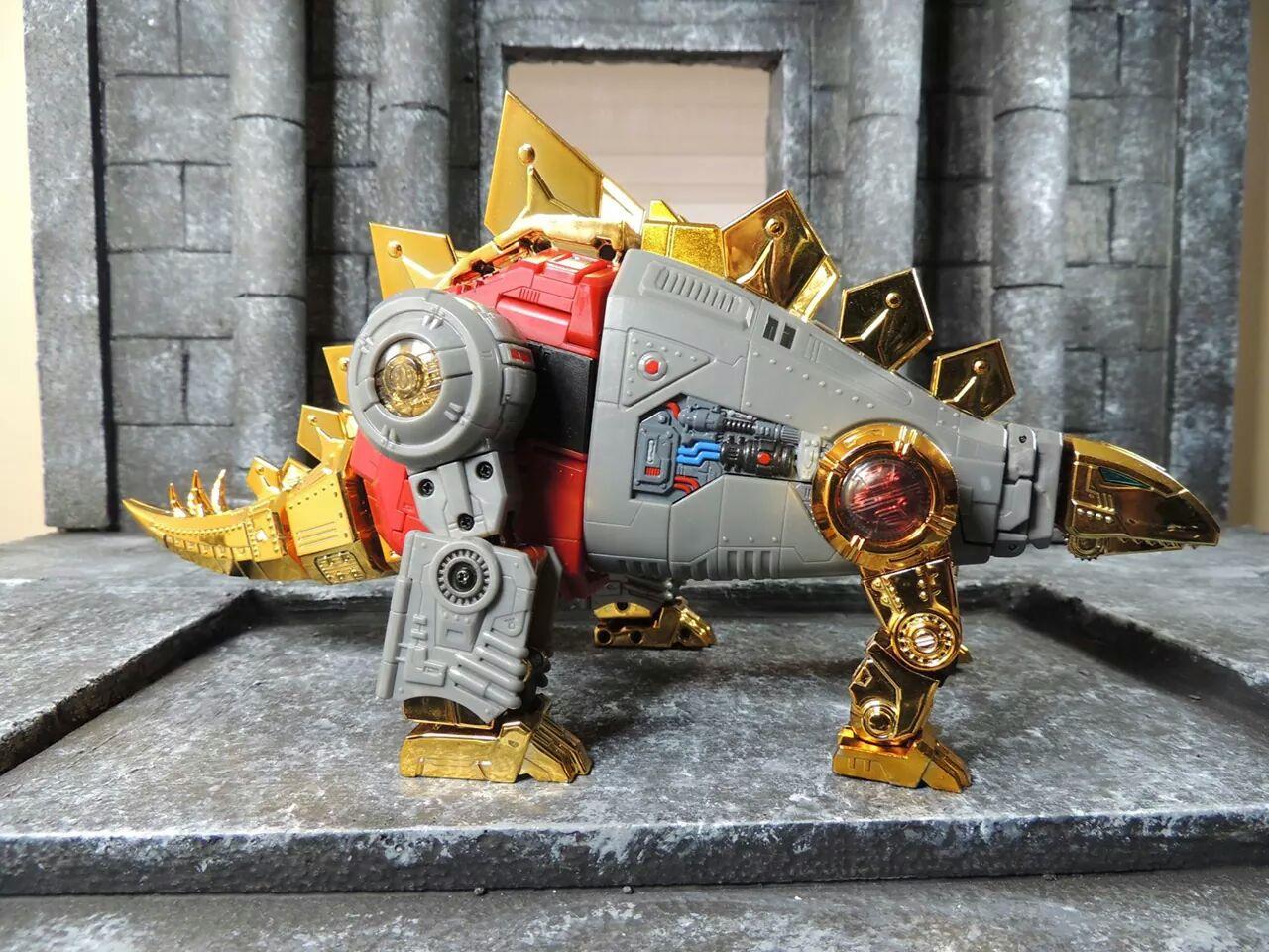 [Fanstoys] Produit Tiers - Dinobots - FT-04 Scoria, FT-05 Soar, FT-06 Sever, FT-07 Stomp, FT-08 Grinder - Page 4 Re7c4wSx