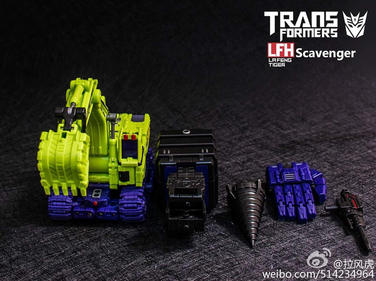 [Toyworld] Produit Tiers - Jouet TW-C Constructor aka Devastator/Dévastateur (Version vert G1 et jaune G2) - Page 3 SShe4XQa