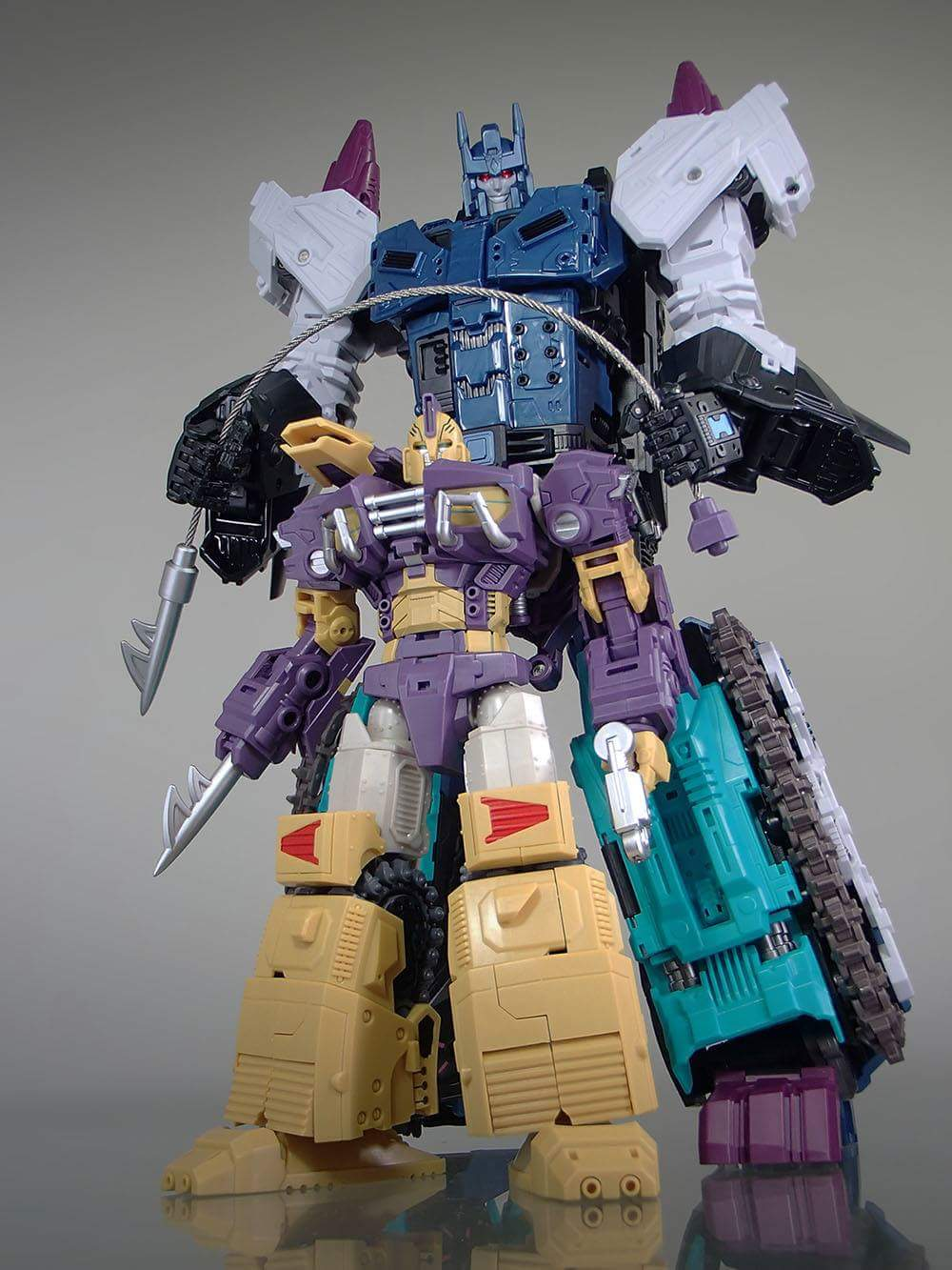 [Mastermind Creations] Produit Tiers - R-17 Carnifex - aka Overlord (TF Masterforce) - Page 3 Suxz6SNE