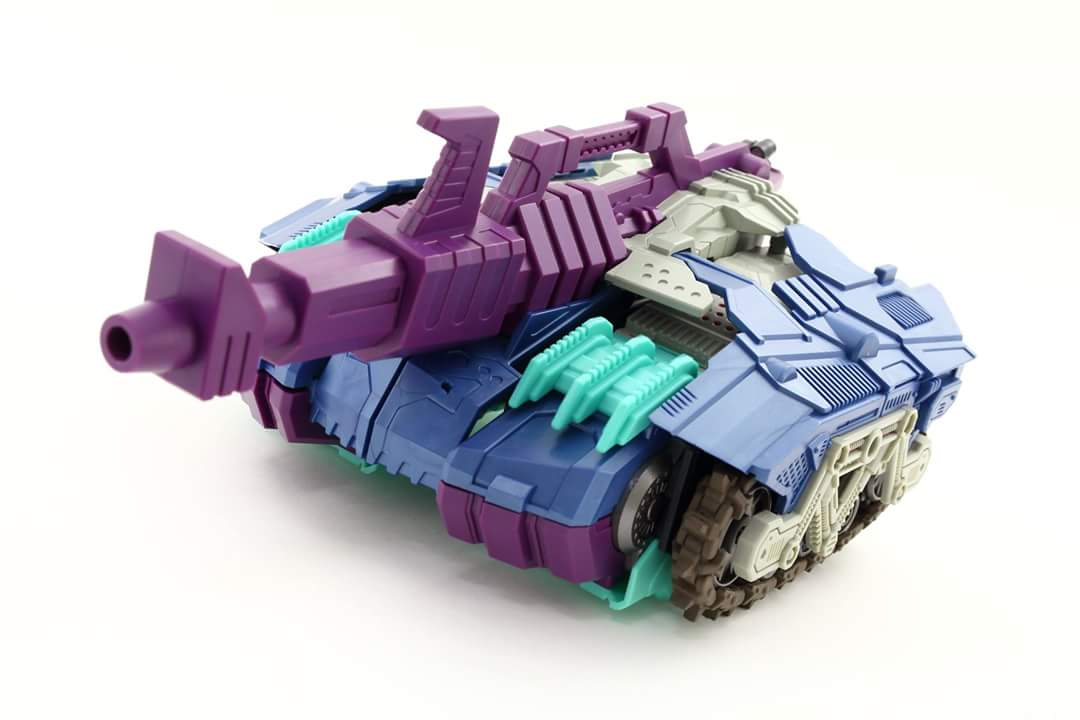 [Mastermind Creations] Produit Tiers - R-17 Carnifex - aka Overlord (TF Masterforce) - Page 3 TeHZqa1V