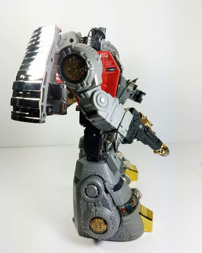 [Fanstoys] Produit Tiers - Dinobots - FT-04 Scoria, FT-05 Soar, FT-06 Sever, FT-07 Stomp, FT-08 Grinder - Page 9 Tg5qkMal