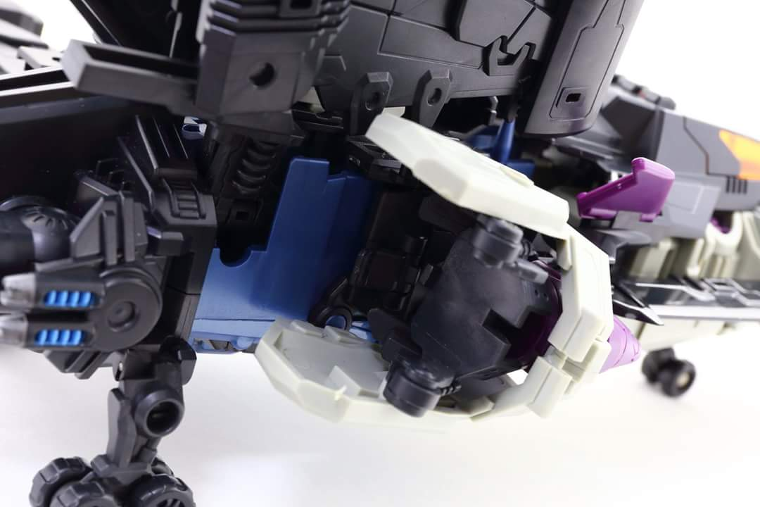 [Mastermind Creations] Produit Tiers - R-17 Carnifex - aka Overlord (TF Masterforce) - Page 3 ThWKHbdA