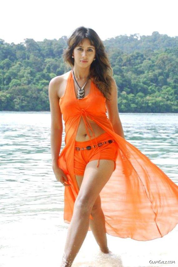 Tollywood Actress Sanjjanaa Photo Gallery UHUXM7ZK