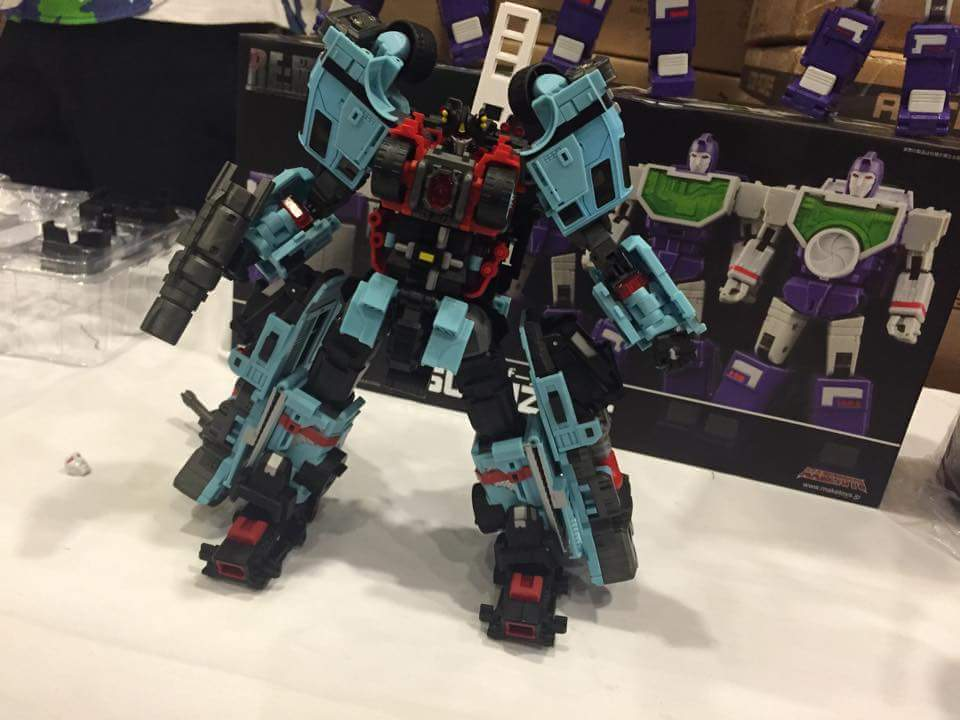 [MakeToys] Produit Tiers - Jouet MTCM-04 Guardia (aka Protectobots - Defensor/Defenso) UlpYiE3l