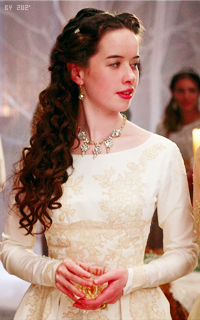 Anna Popplewell  VgClIyAh
