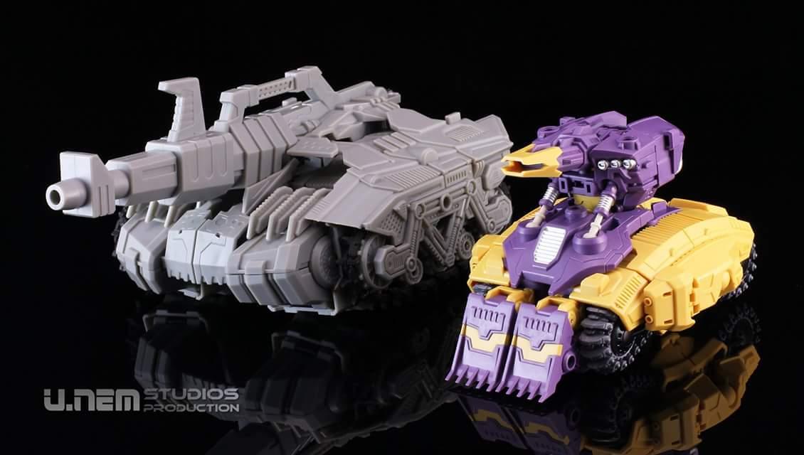 [Mastermind Creations] Produit Tiers - R-17 Carnifex - aka Overlord (TF Masterforce) WFaAqFmZ