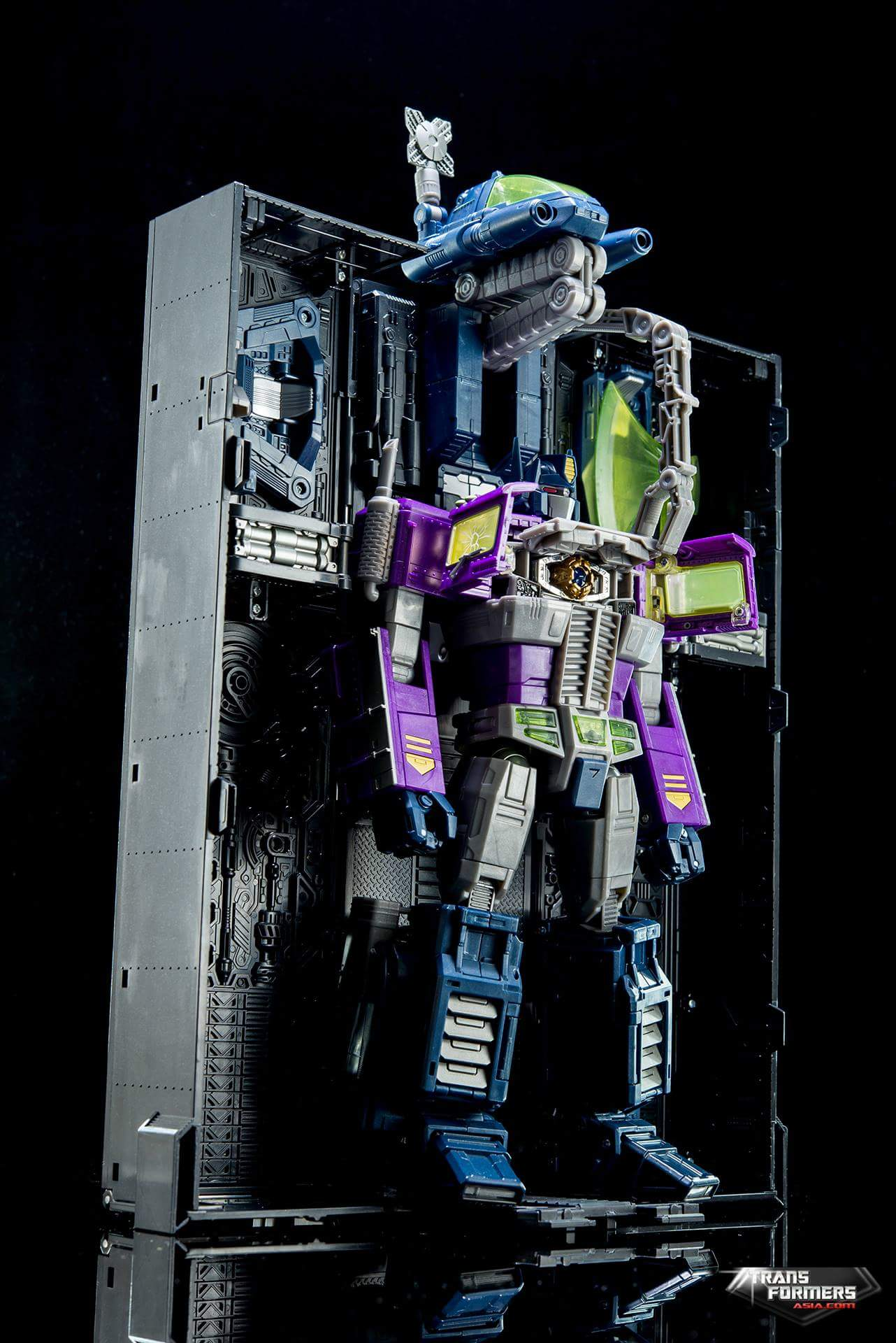 [Masterpiece] MP-10B   MP-10A   MP-10R   MP-10SG   MP-10K   MP-711   MP-10G   MP-10 ASL ― Convoy (Optimus Prime/Optimus Primus) - Page 4 YHvmn8GR