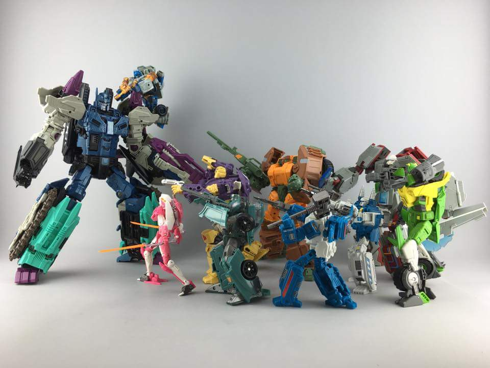 [Mastermind Creations] Produit Tiers - R-17 Carnifex - aka Overlord (TF Masterforce) - Page 2 YTildl1O