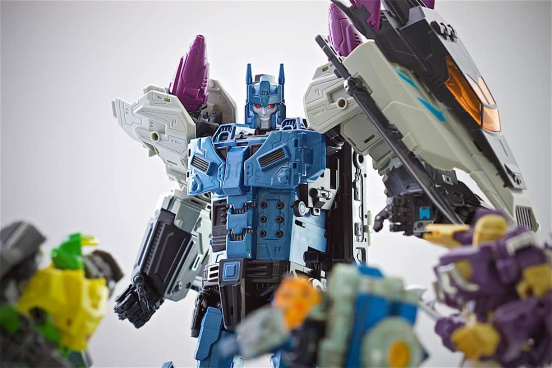 [Mastermind Creations] Produit Tiers - R-17 Carnifex - aka Overlord (TF Masterforce) - Page 3 ZP1U2yHV